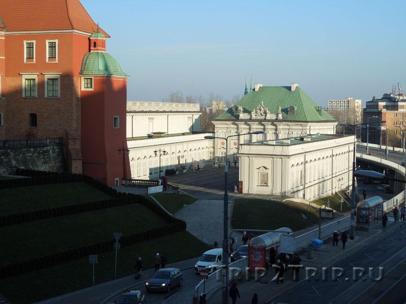 """Дворец """"под бляхой"""", Варшава"""