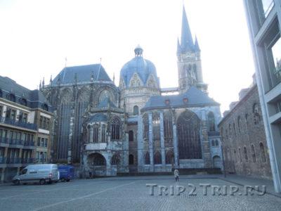 Фасад ахенского собора, Германия
