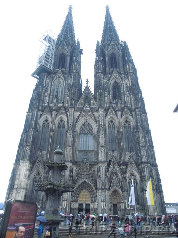 Фасад кёльнского собора
