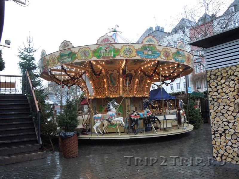 Карусель, рождественская ярмарка в Кёльне