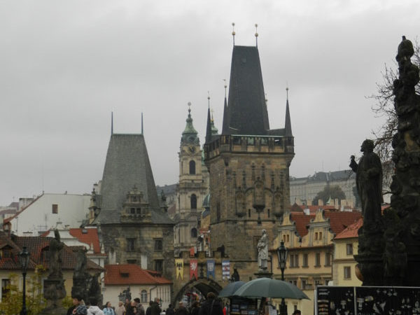 Малостранские башни. Вид от Карлова Моста. Прага.