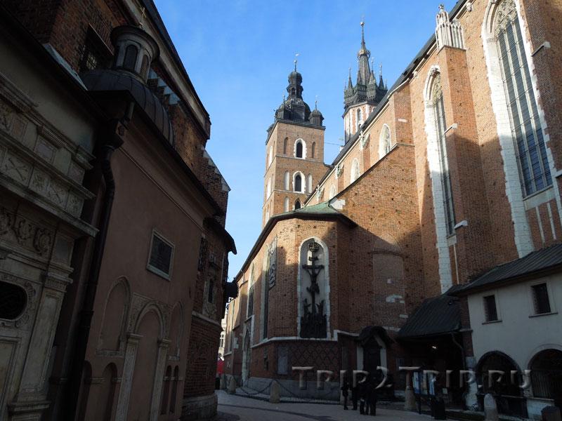 Вид от Мариацкой площади на Мариацкий костёл, Краков