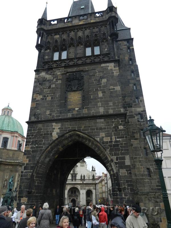 Староместская мостовая башня. Вид от Карлова Моста, Прага.