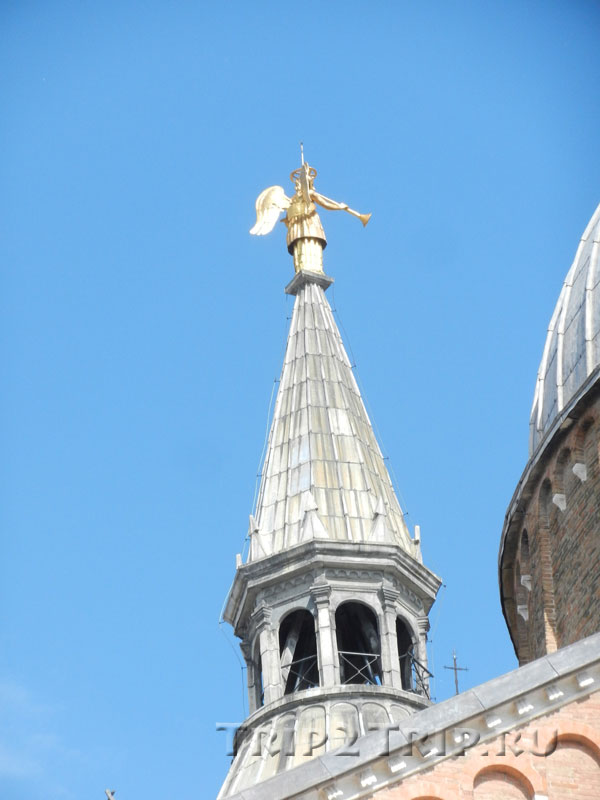 Ангелок на шпиле базилики св. Антония, Падуя