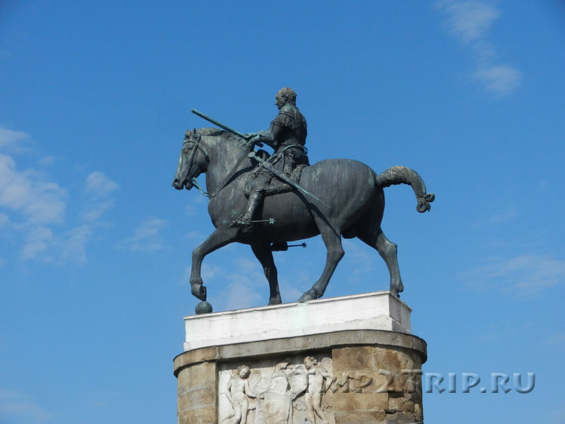 Статуя Гаттамелаты, Падуя