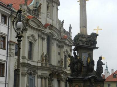 Фасад церкви Микулаша и Чумной столб, Мала Страна, Прага