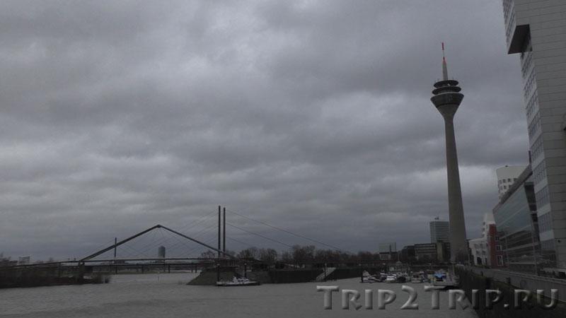 Рейнские мост и башня (Рейнкни и Рейнтурм), Дюссельдорф