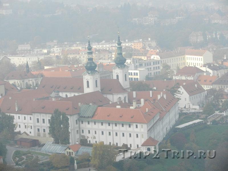 Вид на Страговский монастырь с Петршинского холма, Прага