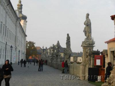 """Терраса-""""мост"""" вдоль Иезуитского колледжа, Кутна-Гора"""