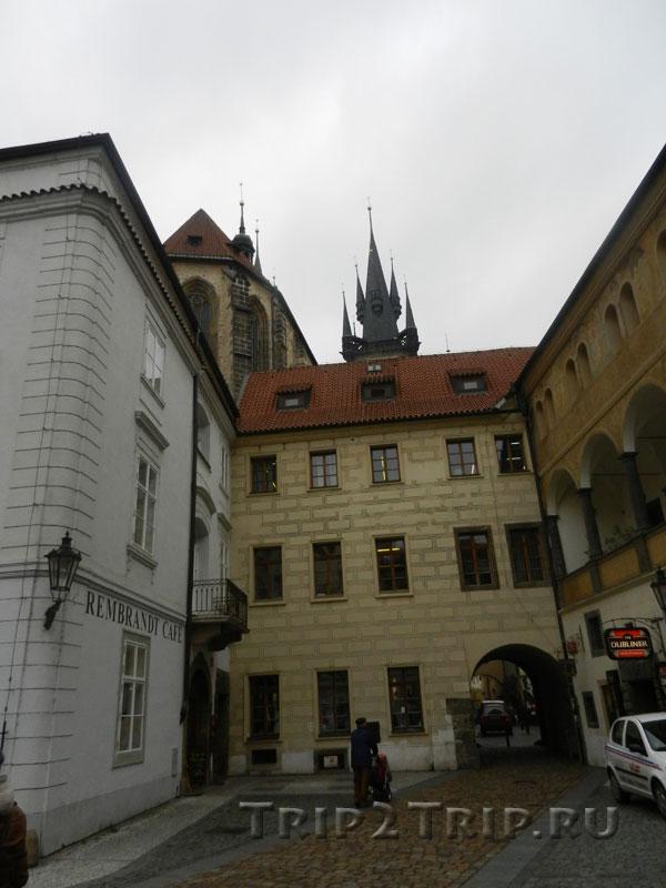 Вид от Унгельта на Тынский храм, Прага