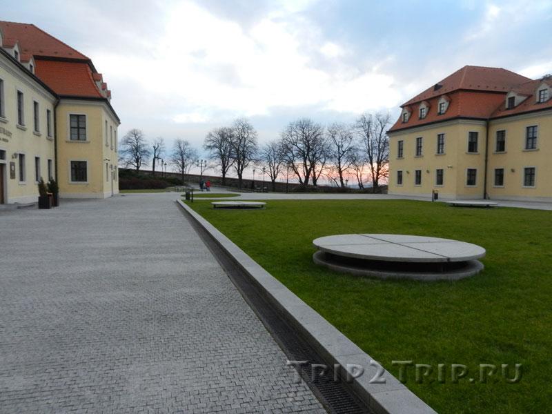 Западная терраса, братиславский град