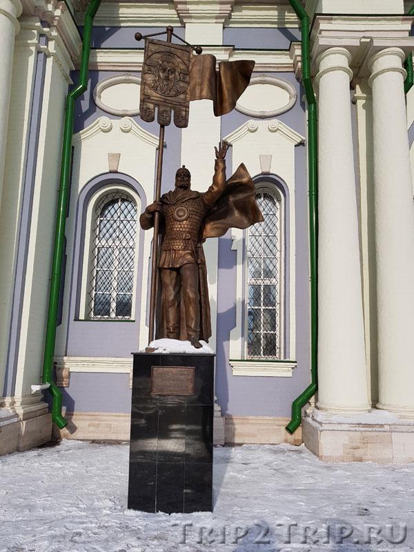 Памятник Дмитрию Донскому у Успенского собора, Тульский кремль
