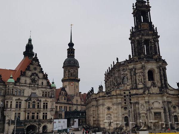 Дворцовая площадь, Дрезден