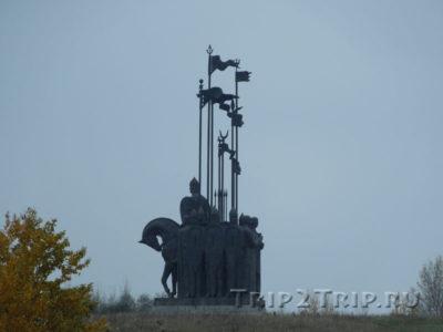 """Монумент """"Ледовое Побоище"""" на горе Соколиха, Псков"""