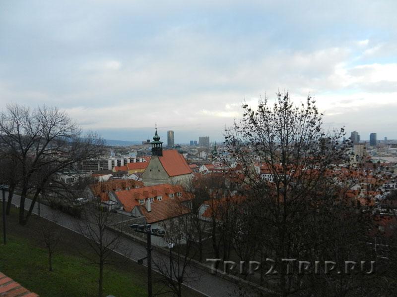 Вид с замкового холма на церковь святого Николая, Братислава