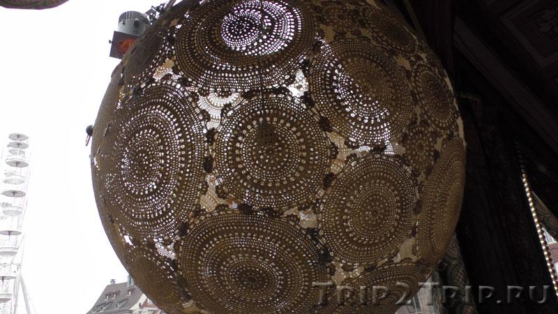 Рождественское украшение на ярмарке, площадь Воссоединения, Мюлуз
