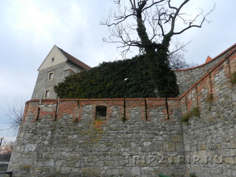 Крепостная стена, братиславский град