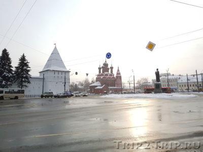 Богоявленская площадь, Ярославль
