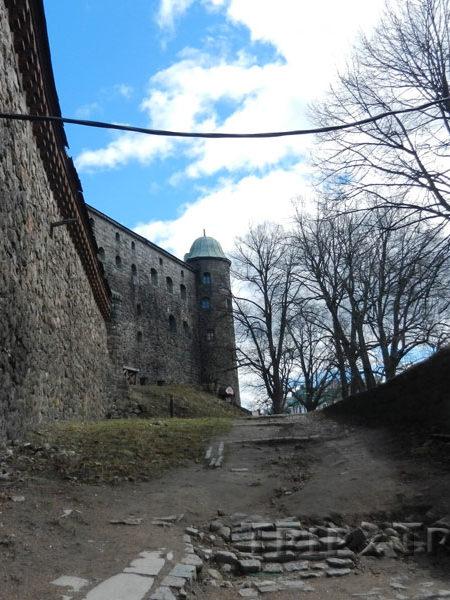 Вдоль крепостных стен, Выборгский замок