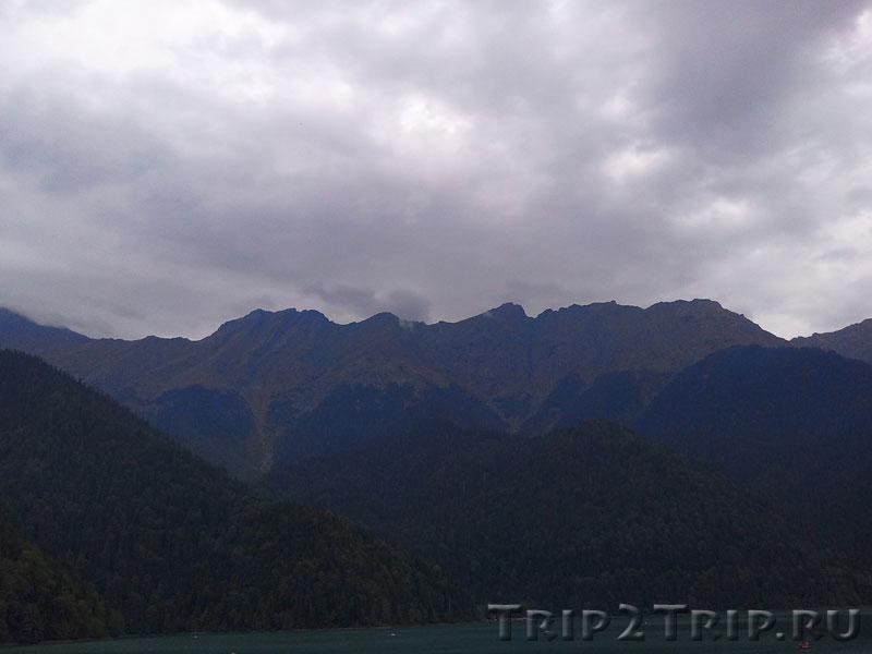Кавказский хребет в районе Рицинского реликтового национального парка, Абхазия