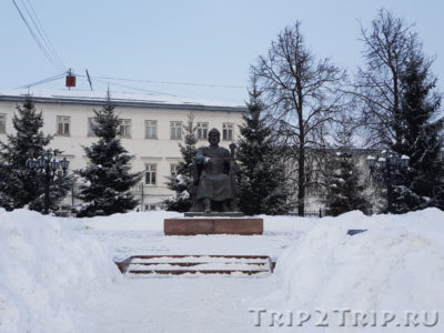 Памятник Юрию Долгорукому, Советская улица, Кострома