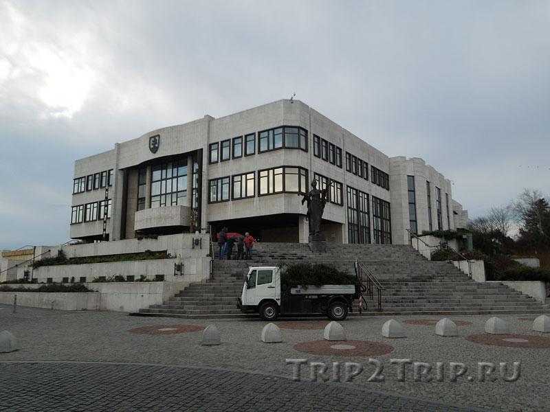 Здание словацкого Парламента (Рада), Братислава