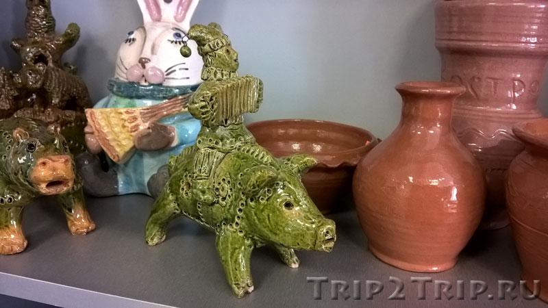 Скоморох на свинье, музей петровской игрушки, Кострома