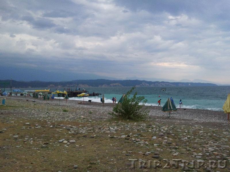 Центральный пляж, Пицунда