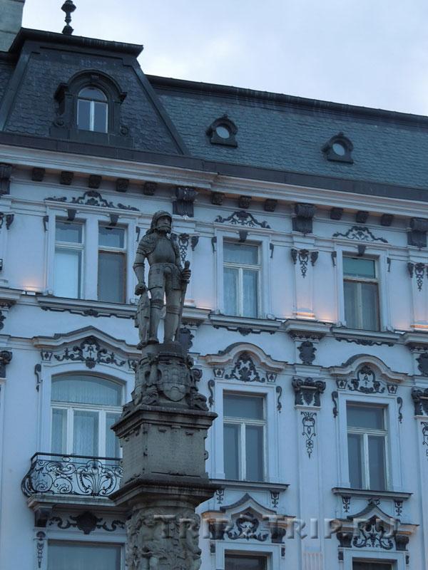 Статуя Роланда, Главная площадь, Братислава