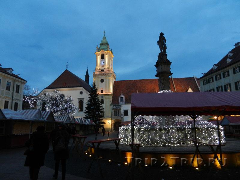 Старая ратуша и статуя Роланда, Главная площадь, Братислава