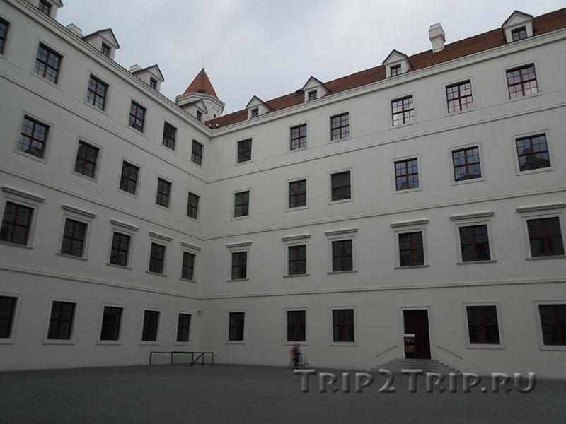 Внутренний двор Града, Братислава