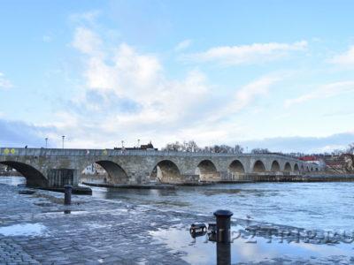 Каменный мост, перекинутый через Дунай, Регенсбург