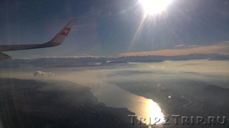 Под крылом самолёта Цюрихское озеро