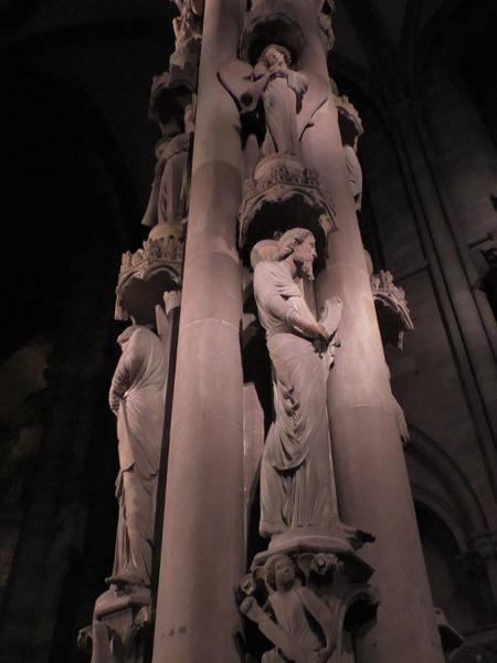Колонна, интерьер страсбургского собора