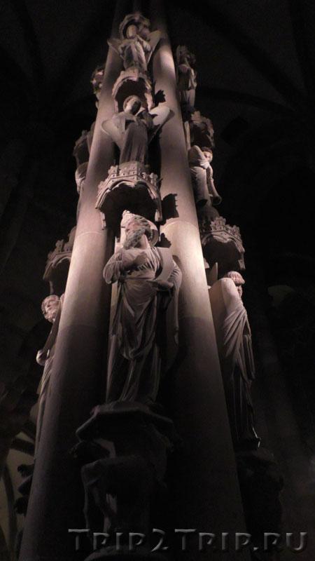 Столб Ангелов, трансепт страсбургского собора