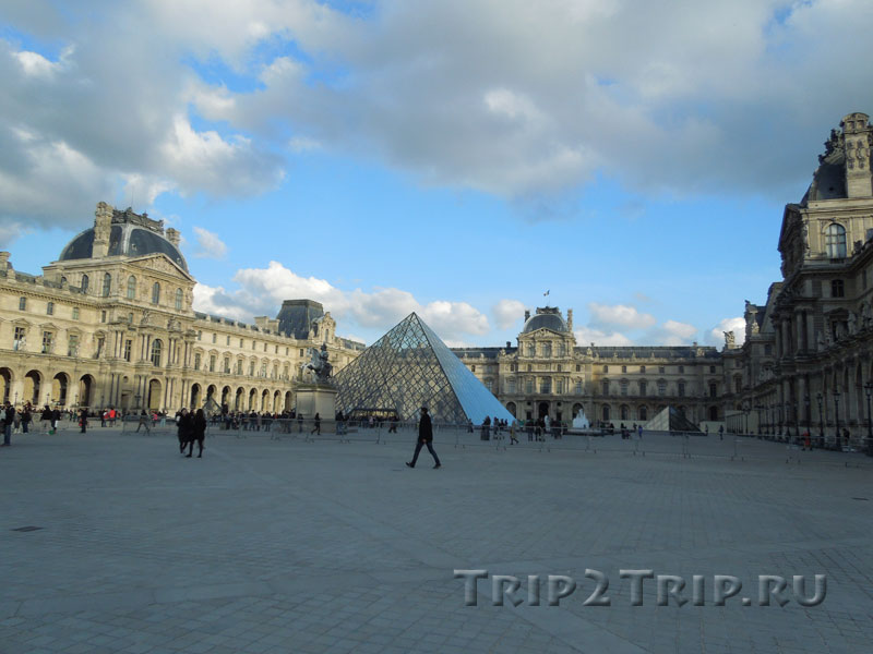 Лувр, Париж