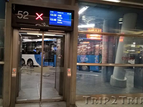 Ворота на автовокзале Камппи, Хельсинки