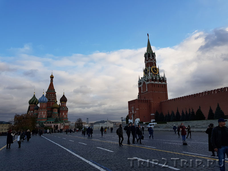 Красная площадь с Собором Василия Блаженного и Спасской башней, Москва
