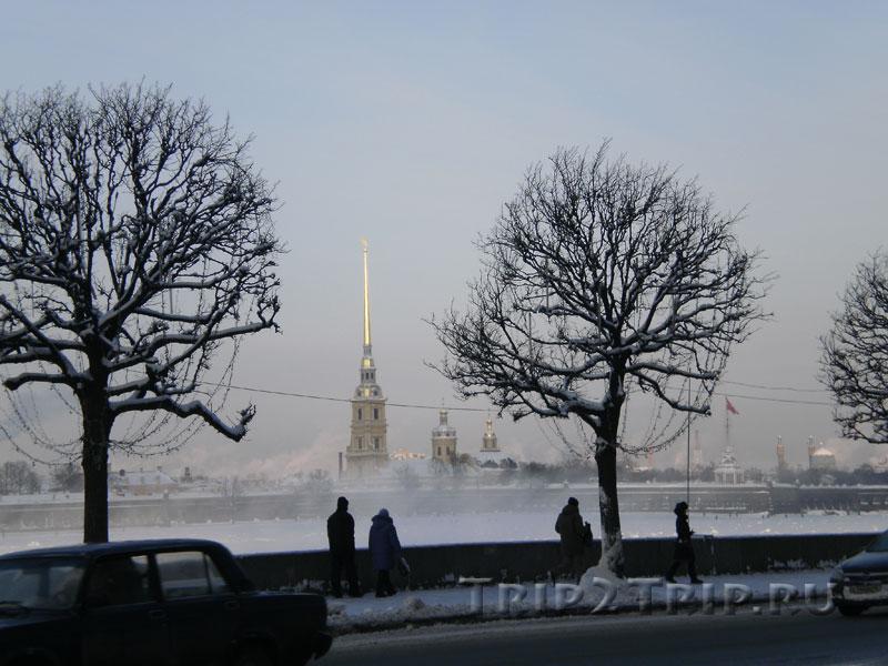 Петропавловская крепость с Дворцовой набережной, Санкт-Петербург