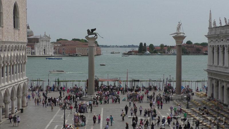 Площадь Сан-Марко с двумя колоннами Св.Марка и Св.Теодора, Венеция