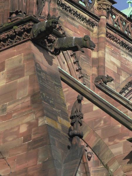 Горгульи и пинакли, страсбургский собор