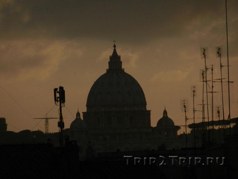 Купол собора Святого Петра в закате, Рим