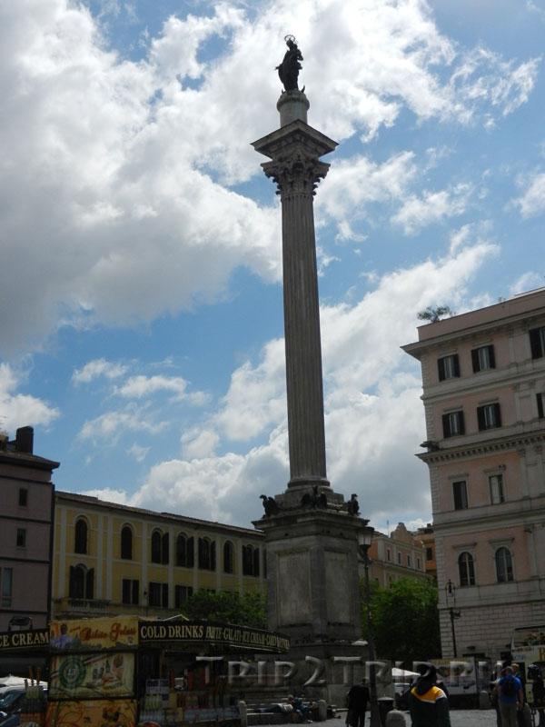 Статуя Девы Марии, площадь Санта-Мариа-Маджоре, Рим