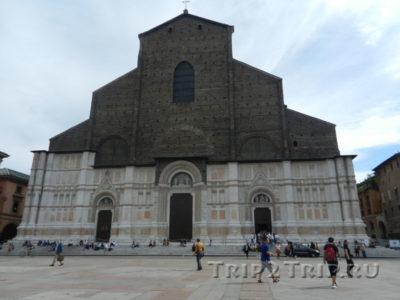 Базилика Сан-Петронио, Пьяцца Маджоре, Болонья