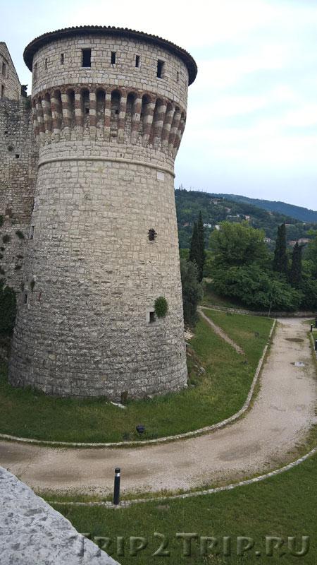 Башня заключенных, замок, Брешиа