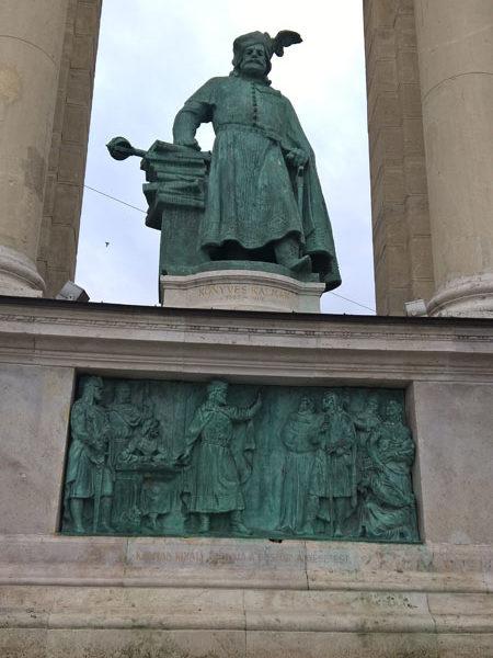 Кальман I Книжник, Памятник Тысячелетия, Будапешт