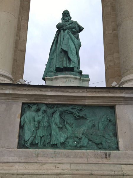 Бела IV, Памятник Тысячелетия, Будапешт