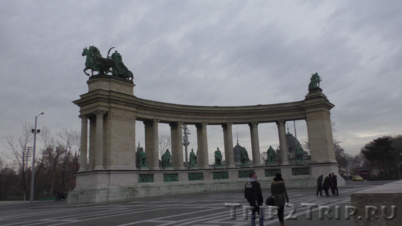 Правая колоннада, Площадь Героев, Будапешт