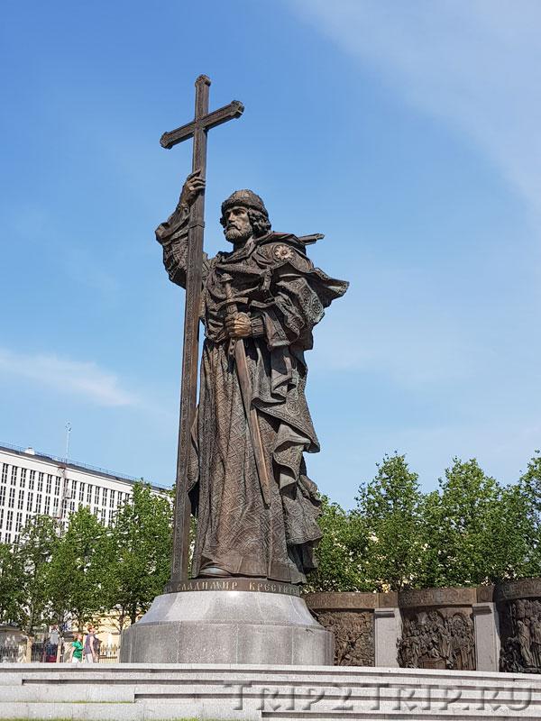 Памятник св.Владимиру Крестителю, Москва