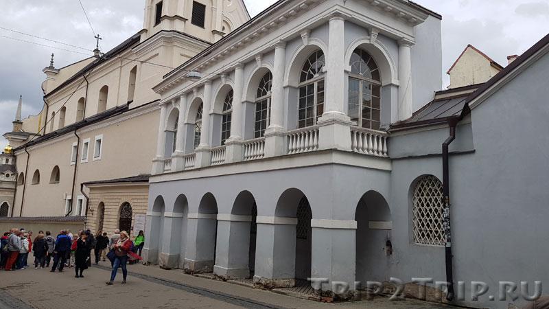 Галерея между Острой Брамой (Ворота Зари) и костёлом Святой Терезы, улица Зари, Вильнюс